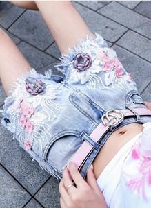 Nova Chegada Venda Quente Especial Moda Passarela Feminina Sexy Bordado Flores Slim Beads Denim Personalidade Vaqueiro Ocasional Estudante Tidal Shorts