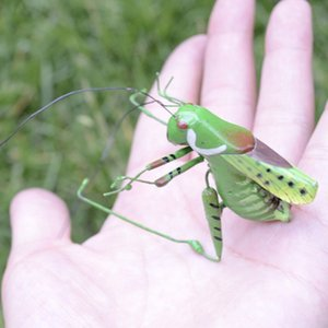 20pcs Handcraft Lifelike Figurine Insect Bee+Grasshopper Lawn Colorful Toys