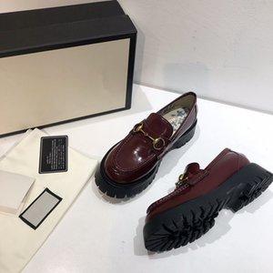 Kadın lüks tasarımcı spor ayakkabı tasarımcısı düşük üst ayakkabı kombinasyon tabanları botları çocuk koşu ayakkabıları en kaliteli om1104