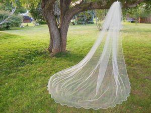 Fashional Elegante Branco Marfim Champanhe Duas Camadas Blusher Véu Do Casamento Popular Catedral Comprimento Recortado Borda Véu De Noiva