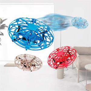 3 colori Drone UFO volare sfera giocattoli per i bambini di RC Mini Drone Aircraft induzione elicottero Micro Quadrocopter Indoor / Outdoor