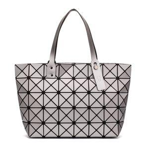 2019 neue mode leuchtende sac bao tasche diamant tote geometrische gesteppte umhängetaschen laser plain faltende handtaschen bolso