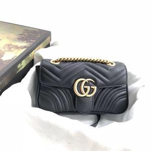 Klasik Deri Siyah Altın Gümüş Zincir Sıcak Satış 2019 Yeni Kadın Çanta Çanta Omuz Çantaları Bez Çantalar Messenger Boyutu: 23cm * 14cm * 6cm 44674402