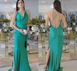 Elegante grüne Halfter Abendkleider Criss Cross Rückseite Split elastische Seide wie Satin Abendkleider Party Kleider A1