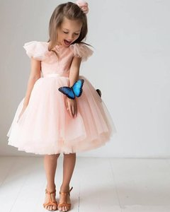 레이스 탑 A 라인 Tulle Pink Flower Girls Dress 짧은 정식 어린이 정장 착용 2020 맞춤형 짧은 소매 생일 파티 드레스 저렴한