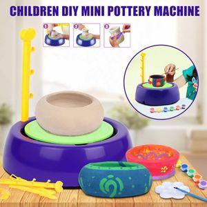 Cerámica Cerámica máquina portátil 3V Mini bricolaje Handmake eléctrica Cerámica Ruedas Artes Artesanía Niños Educativo regalo de Navidad Juguetes Y200428