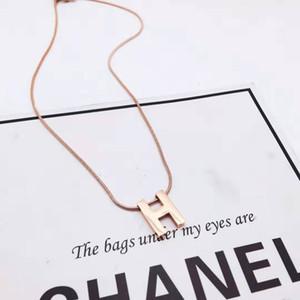 """Pretty Young girl Dubai Lettera iniziale """"H"""" 18 carati in oro rosa massiccio GF Collana allungata Collana mai indossata Senza nichel"""