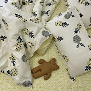 Juego de sábanas de cama de 4 piezas Tela de algodón Sencilla cubierta de edredón de estilo europeo simple Juego de ropa de cama King Size Queen Size directo de fábrica