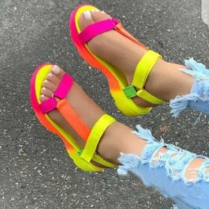 Donna Sandali estate casuale Piattaforma gladiatore Hook Loop Beach Colorful scarpe donna 2020 Roma signore scarpe basse Femminile Nuovo T200630