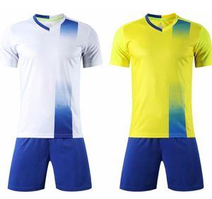Customized 2019 Fußball-Fußball-Jersey-Sets Trikots mit Shorts Soccer Wear Men Mesh-Performance-Design Ihre eigenen Hemduniformen