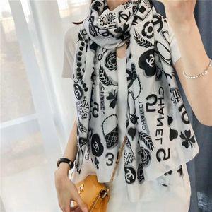 Luxo Mulheres chiffon de seda Lenços de alta qualidade Designer Marca Four Seasons Turismo lenço macio Moda Long Neck Anel Xaile Atacado