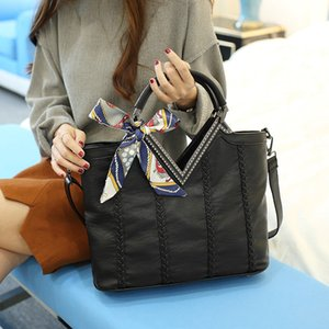 2020 New Tide Female Top-handle Bag With Diamond Silk Scarf Fashion Girls Handbags Women Messenger Portable Shoulder Bag for Lady Totes A611