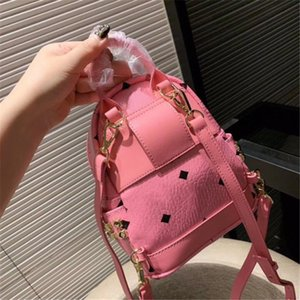 Mochila de diseño Mochila de diseñador de lujo Mini patrón Mejor venta Más reciente Tamaño de llegada 18 cm * 21 cm Color rosa azul Moda con remache