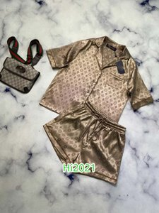 High-End-Frauen Mädchen lässig Pyjamas passen alle über Monogramm Brief Einreiher Hemd und gleichen Shorts 2020 Art und Weise Luxus-Design-Sets drucken