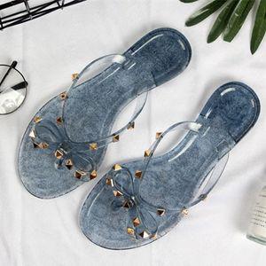 2019 novo estilo Mulheres Sandálias de Verão Rebites grande bowknot Chinelos Sandálias de Praia Flip Flops Sandalias Femininas Sandálias De Grife Plana tamanho 36-41
