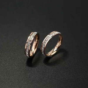 Дизайн ювелирных изделий Мужчин / женщины Полного CZ Алмазной Любовь Кольцо Золото 3 Цвет Пара кольцо титан стал высокого качество Полированной Lover Кольца Бесплатной доставки
