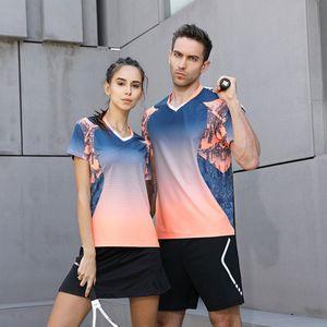Commercio all'ingrosso di alta qualità 2018 Esecuzione Sport asciutta rapida esterna traspirante Badminton shirt, donne / uomini Tennis da tavolo del gioco di squadra t