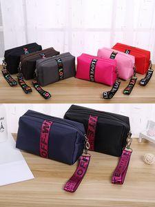 Sacos de maquiagem bolsas cosméticas amor saco de viagem rosa mereca nylon makebags letra lantejoulas grande capacidade de armazenamento impermeável maquiagem de maquiagem quente