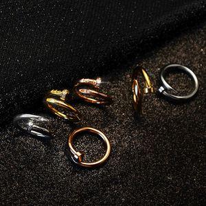 anillos de clavo de acero inoxidable Size6-9 de oro con diamantes plata de calidad superior aumentaron amantes de oro de la venda Anillos mujeres y hombres Anillos par con la caja