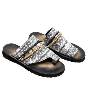 New serpentine sandals slippers trend personality wild beach shoes clip toe anti-skid tire men's sandals