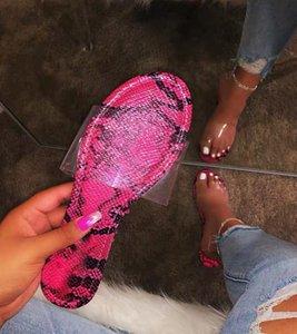2019 modelos de explosión del verano del diseñador zapatillas patrón de la serpiente de lujo de fondo plano sandalias cómodas las mujeres