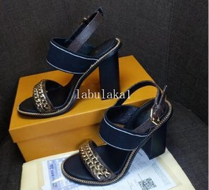 2020 neue Frauen-Leder-Stern-Trail Sandale Lady Kreuzung Canvas Strap Buckle High Heel Gummiketten Sandale Top-Qualität