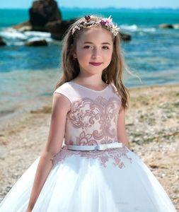 2019 New Arrival Princess Flower Girls Dresses Pageant Dresses Kids Jewel Neckline Applique Floor Length First Communion Gowns