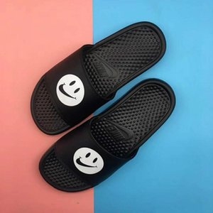 2019 High Quality Designer Mens Womens Summer Rubber Sandals Beach Slide Fashion Scuffs Slippers Indoor Shoes