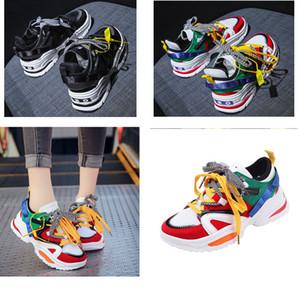 Los zapatos corrientes de S Speed Trainer triples zapatillas de deporte de alta calidad Speed Trainer Calcetines Carrera Participantes zapatos negros hombres y mujeres Calzado deportivo