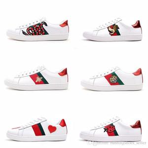 Diseñador de zapatos de lujo para hombre, zapatos casuales, zapatillas de deporte de mujer blanca, buen bordado, polla de abeja, perro tigre, fruta en el lateral con una caja OG.