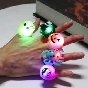 Enfants Anneau En Plastique Flash LED Bagues Lumineuses Pour Halloween De Noël Halloween Enfants LED lumière Jouets citrouille Crâne Araignée Partie Dance ring