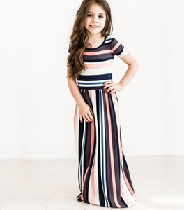 2019 Nuevo estilo Impresión a rayas de color Cuello redondo Colección de cintura Estilo europeo Vestido de niña Primavera y otoño Período