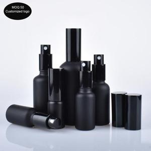 50 adet / lot 10/15/20/30/50/100 ml siyah uçucu yağ şişe cam ışık püskürtme şişesi taşınabilir basınç pompası şişe losyon