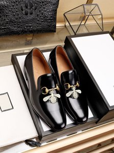 New Designer Hommes Chaussures de mariage formel luxurys Marque Hommes d'affaires Oxford Chaussures pour hommes Suede Shoes Robe en cuir Zapatos de hombre