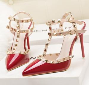 fetisch rote high heels frauen designer schuhe lackleder damen hochzeit schuhe nieten gladiator sandalen sexy pumpen valentine schuhe schwarz