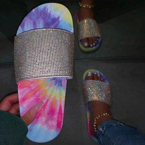 2020 femininas Plano Chinelos de cristal Glitter Shoes Casual colorido de Bling Rhinestone senhoras verão Slides Sandals Female Fashion