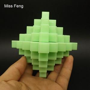 ST034 / Plastic Puzzle Toy Kid 24 Sticks Gran Piña Bola Kong Ming Lock Fluorescencia Verde
