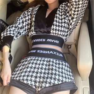2019 Yeni tasarım moda kadın seksi derin V yakalı siyah beyaz houndstooth ızgara deseni uzun kollu kırpma üst ve yüksek bel şort twinset