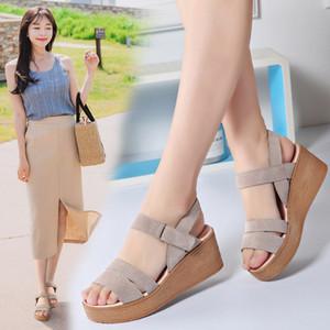 Hot venda- Vaca camurça sandálias sapatos de cunha sandálias cor sólida para mulheres Vara mágica sandália de Verão gladiador hoop sapatos laço senhoras zy414
