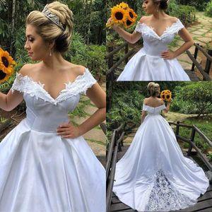 Vintage Style A Line Off The Shoulder Plus Size Wedding Dresses Sweep Train White Satin Appliques Lace New Arrival Bridal Wedding Gowns