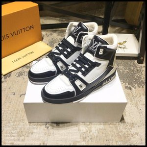 2019T new men's casual sneakers, high-top men's outdoor travel sneakers, fast delivery with original box packaging