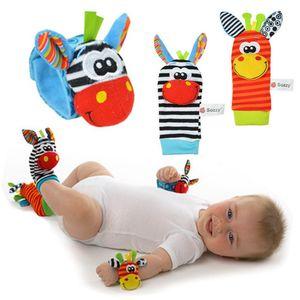 Bebê dos desenhos animados chocalhos Plush Meias brinquedo macio Handbells de pulso da mão Strap chocalhos Meias animal Pata Finders Presente de Natal bichos de pelúcia