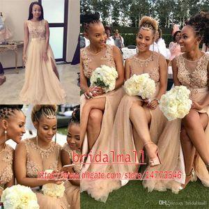 Plus Size 2020 Champagne Tulle África dama de honra vestidos longos Illusion corpete do laço das pérolas Applique Convidado de Casamento Vestidos Side Dividir Prom Dress