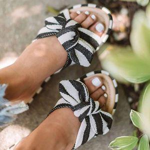 Mulheres Chinelos 2020 New Stripe bowknot Abrir Toe Sandals plano Heel Slippers Feminino Flip Flops Slides Moda Feminina Praia Shoes