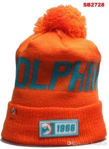 2020 Miami Beanie MIA Sideline Сценарий наручниках Knit Hat с Pom Женщины Мужчины Спорт Knit Hat Все команды Winter Вязаная Wool Череп Cap 1000+ 05
