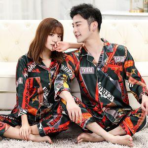 Любовник Ice Шелковый Sleepwears Мода Printed Мужчины Женщины Пижама Набор Престижное Письмо печатных Пара ночных рубашках для дома