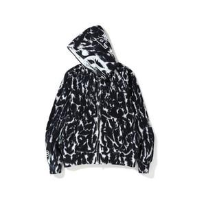 dos homens marca Hoodie New Tide Outono preto e branco Camuflagem Carta bordado tubarão cabeça encapuzada Terry atacado camisola Fabricante