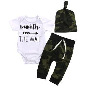 3 Stück Worth the Wait Kurzarm-Body, Camouflage Hose mit Hut Set für Baby-Sommer-Kleidung