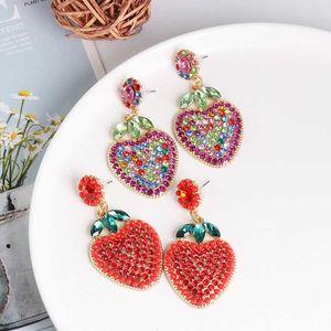 FASHIONSNOOPS New Arrival Vintage Rhinestone Morango Brincos para Mulheres Jóias Fruit Projeto de cristal brincos