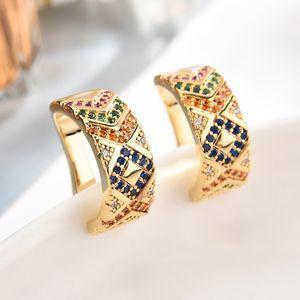 Pendientes de la moda retro circón no Pendientes Mujeres Micro Ear Clip rayado colorido del hueso del diseño geométrico joyería